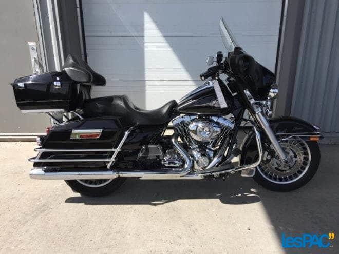 51100637 Harley Davidson FLHTC Electra Glide 2011