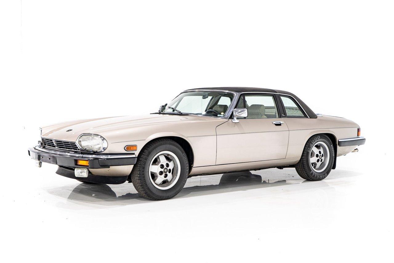 Jaguar XJSC V12 avec toits T Top avec 89 481 km (55 600 mi) 1987