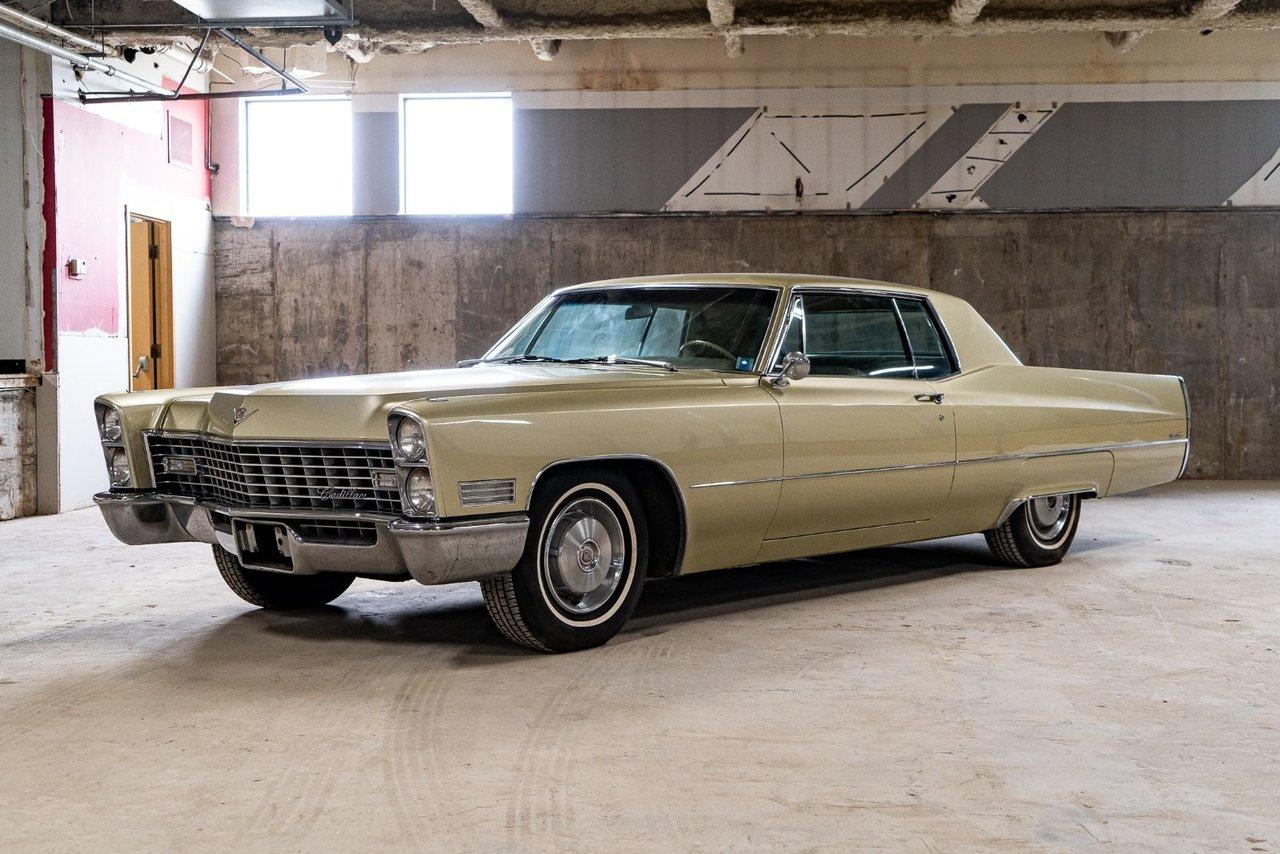 Cadillac Coupe DeVille  1967 #PRO-P2426