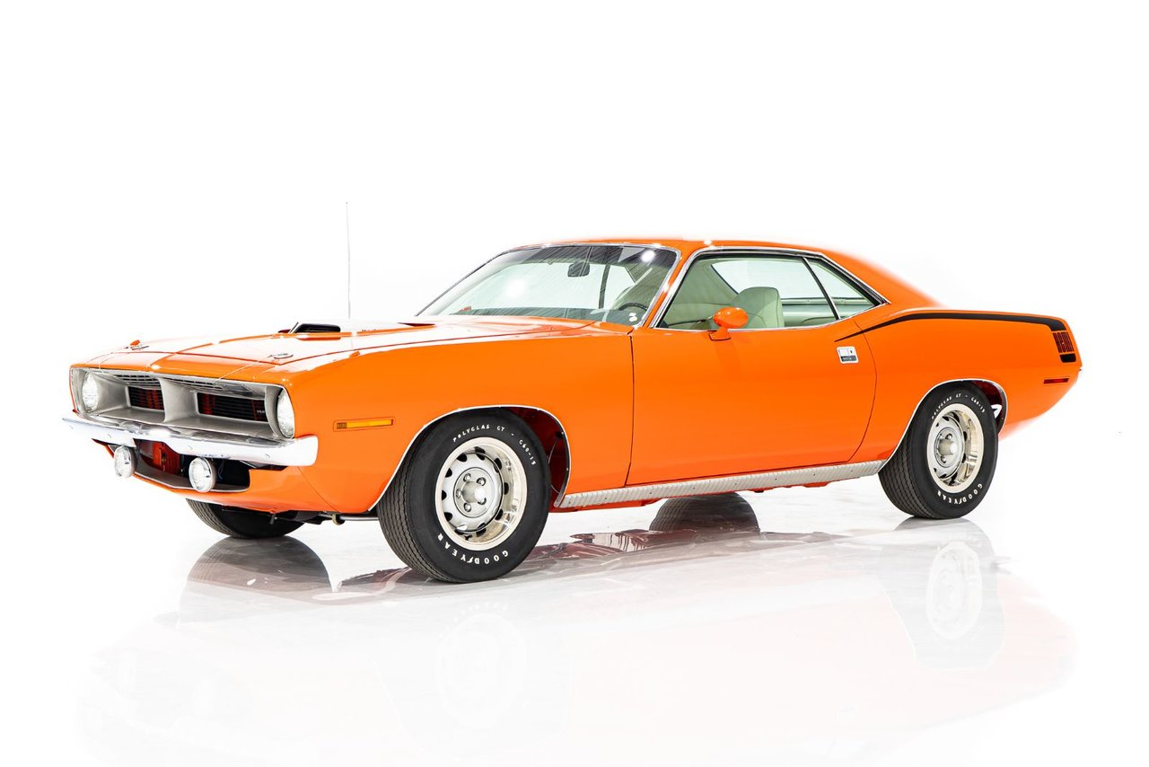Plymouth CUDA Matching Numbers 426 HEMI Completement Restorée avec tous les panneaux d'origine 1970