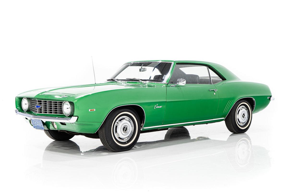 Chevrolet Camaro Extrêmement rare non restauré 230 cu  manuel à 3 vitesses 1969