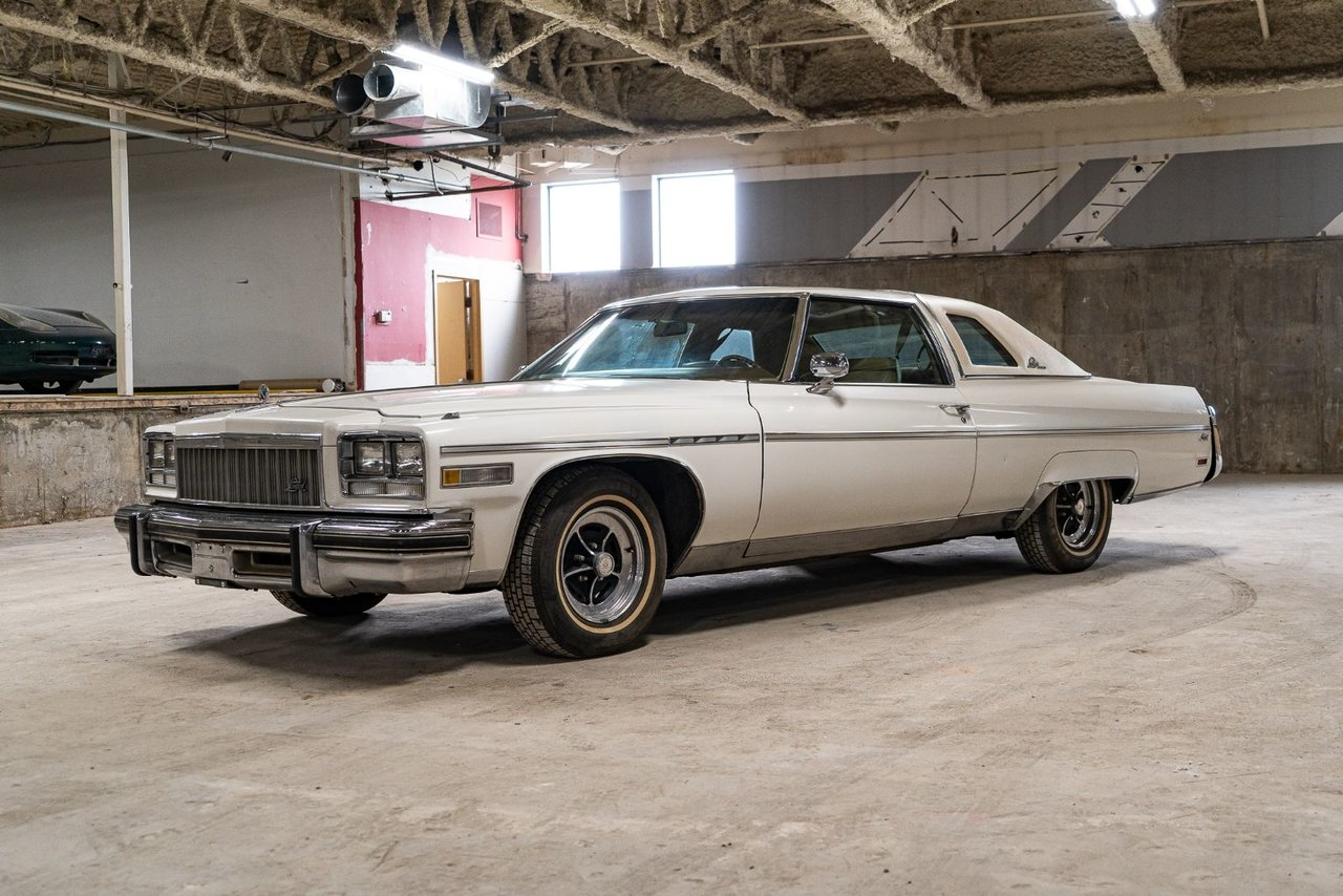 Buick Limited One owner needing rear Bumper fillers with only 48,877 miles (78,660km) 1975