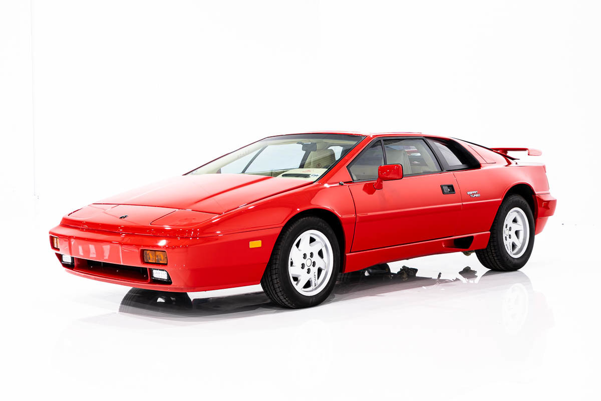 LOTUS Esprit 4cyl Turbo compressé, Projet Mécanique avec excellent extérieur et intérieur 1988