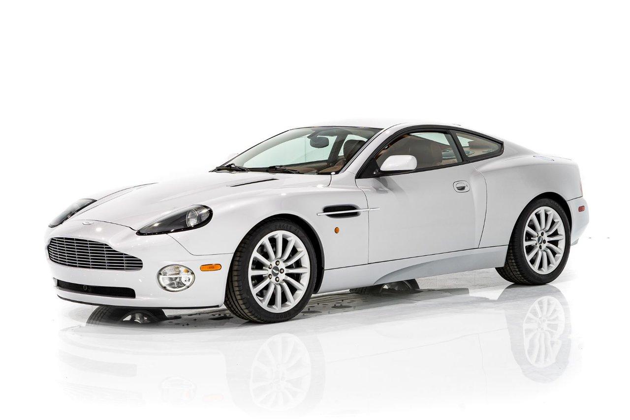 Aston Martin Vanquish MSRP d'origine de 225000 $ USD - Mise à niveau d'usine vers la transmission Vanquish S 2003