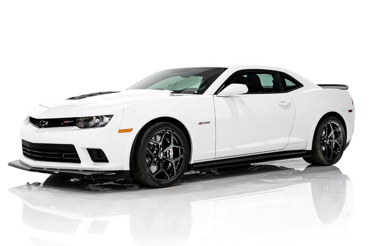 2015 Chevrolet CAMARO Z28 Only 846KM(525mi) From New 427 LS7 6spd with A/C