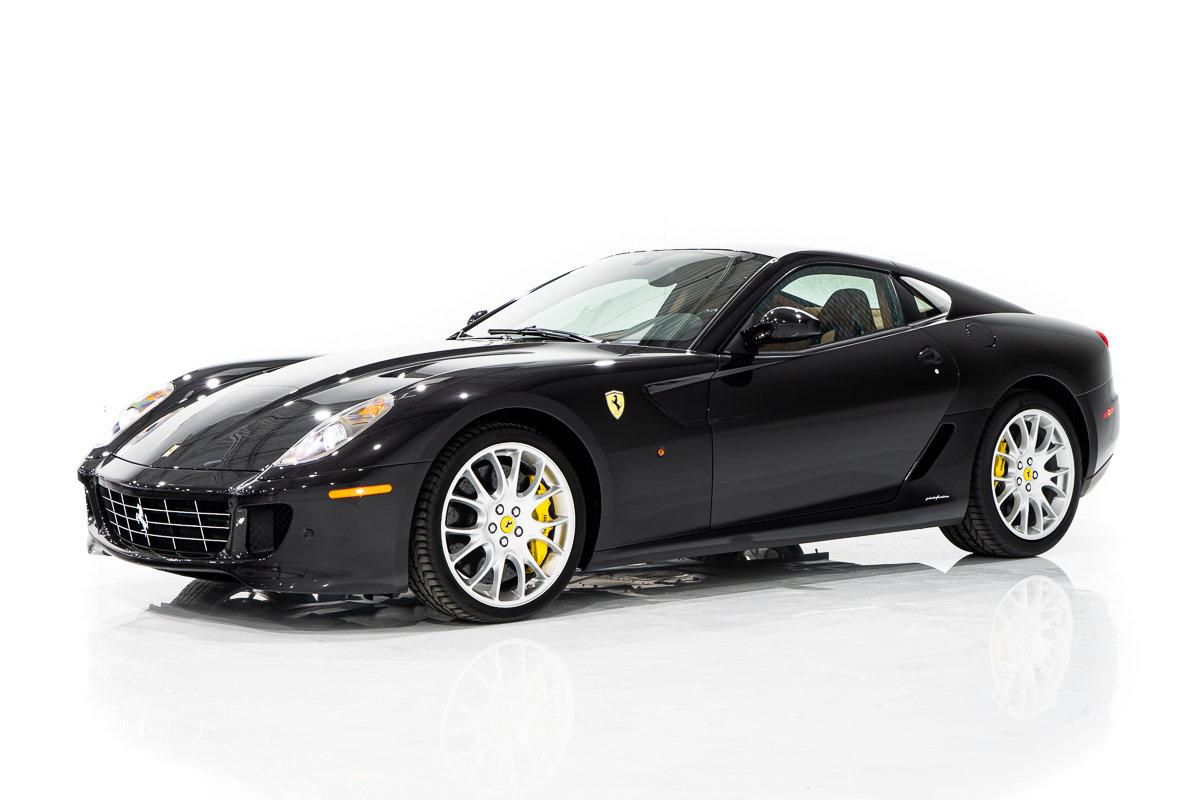 Ferrari 599 GTB FIORANO Daytona Carbon Package, Challenge Wheels Complete avec Livres et Outils 2011